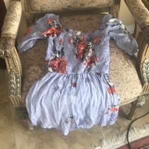 Peppermint floral romper size small